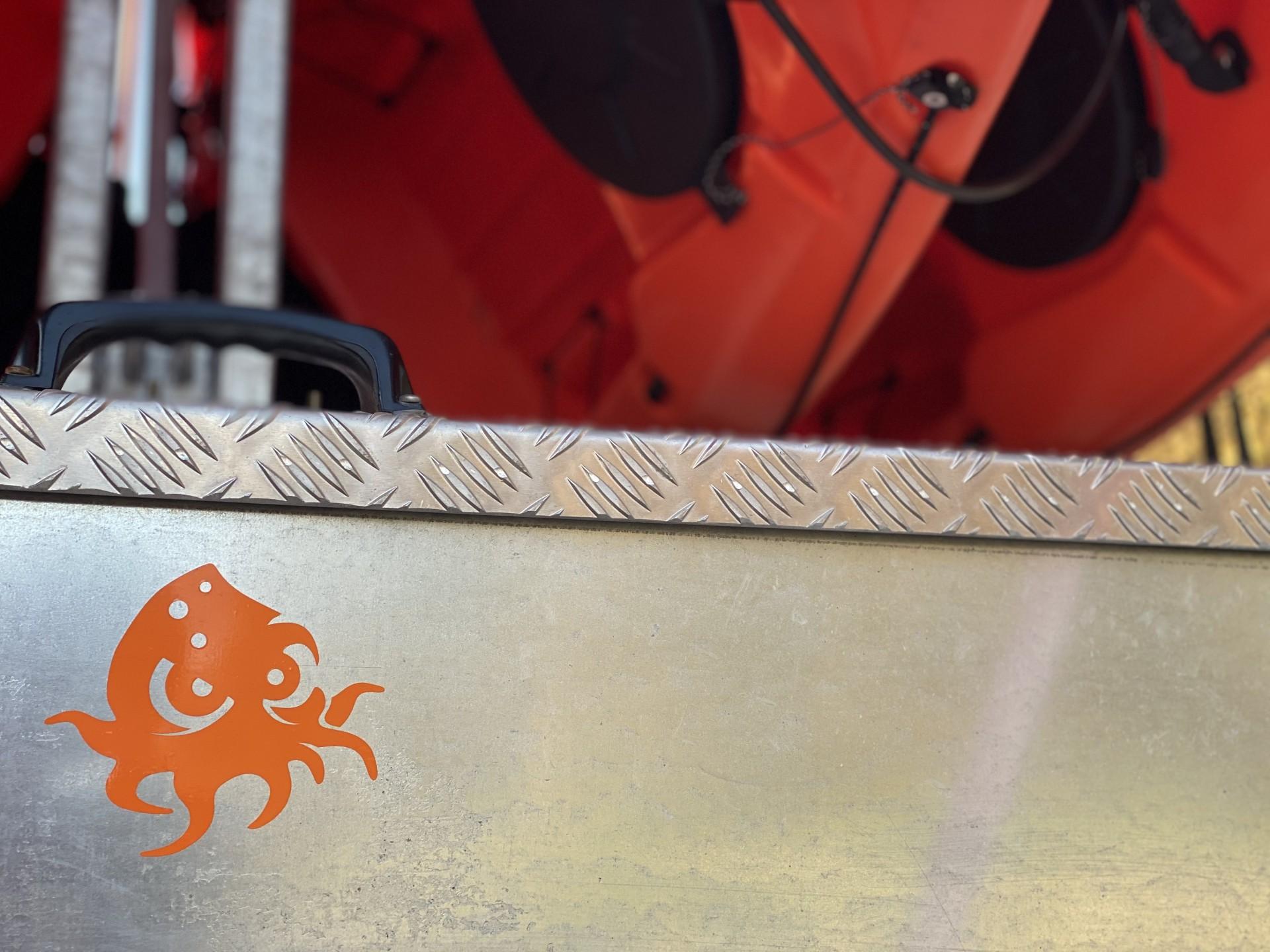 NOMAD Sea Kayaking motif 'Baba Kraken'